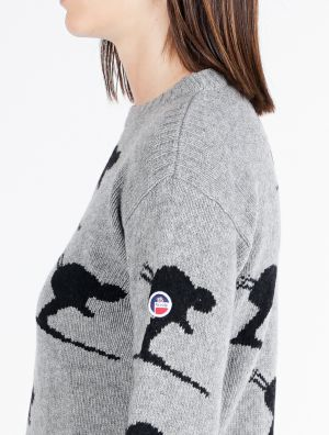 CARVING WOMEN KNITTED SWEAT